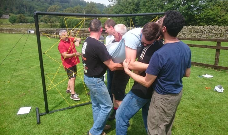 Team building and corporate team bonding events